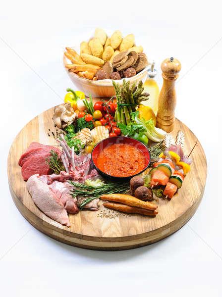 Obfitość raw food koszyka chleba biały Zdjęcia stock © amok