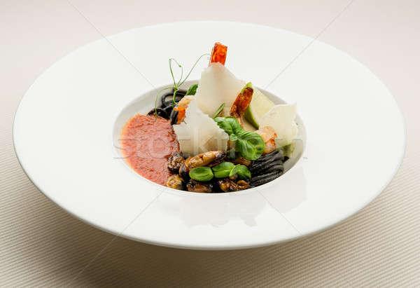 Foto stock: Preto · espaguete · molho · de · tomate · frutos · do · mar · parmesão · peixe