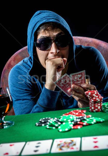 Foto stock: Pôquer · jogador · cassino · jovem · álcool · masculino