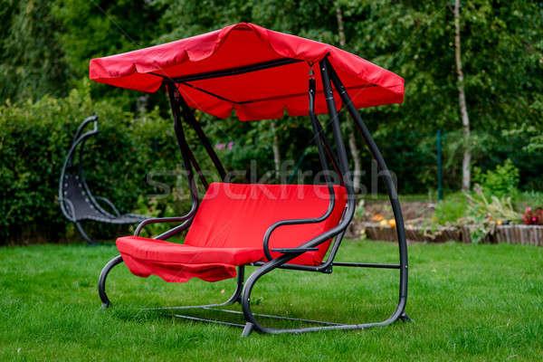 Ogród huśtawka odkryty trawnik domu domek Zdjęcia stock © amok