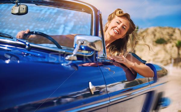 Photo stock: Belle · femme · séance · rétro · cabriolet · voiture · heureux