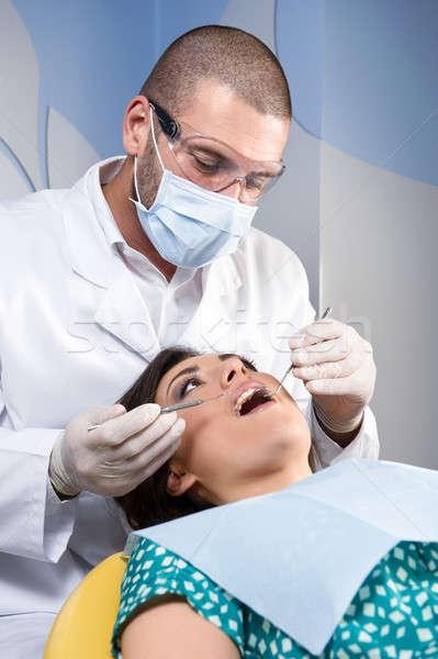Vrouwelijke patiënt tanden specialist vrouw kantoor Stockfoto © amok