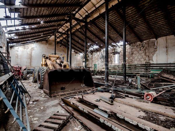 Opuszczony gospodarstwa starych podziale rolniczy maszyn Zdjęcia stock © amok