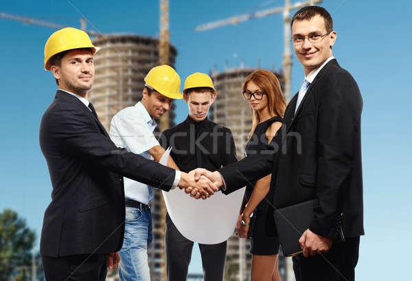 Foto stock: Gente · de · negocios · apretón · de · manos · hasta · reunión