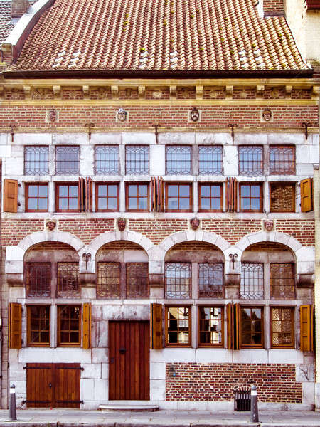 Fasada starych malowniczy domu budynku ulicy Zdjęcia stock © amok