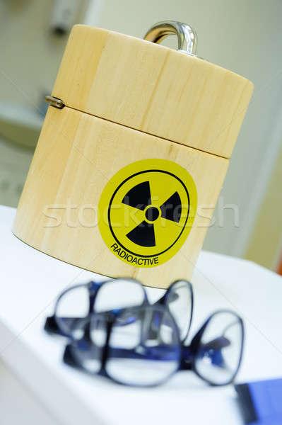 Contenitore radioattivo scienza nero protezione stoccaggio Foto d'archivio © amok