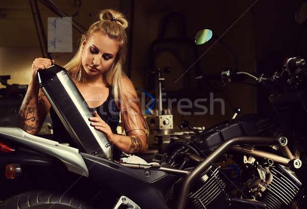 ブロンド 女性 メカニック マフラー オートバイ ストックフォト © amok