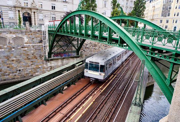 Pont rivière Vienne ville Autriche train Photo stock © amok