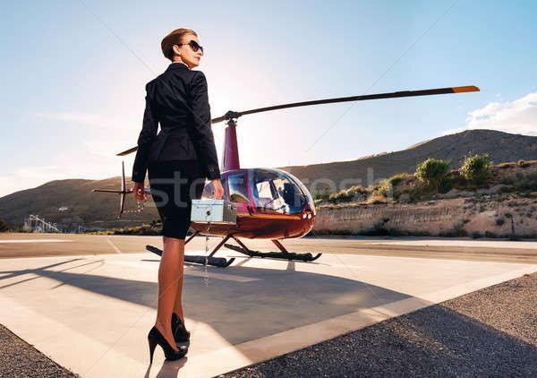 Photo stock: élégante · femme · d'affaires · hélicoptère · affaires · succès · luxe