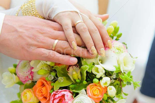 Bukiet ślubny ręce oblubienicy pan młody ślub miłości Zdjęcia stock © amok
