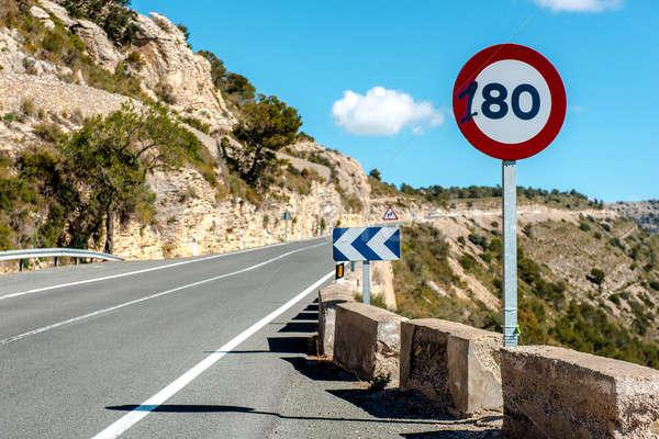 80 sebességhatár felirat hegy autópálya Spanyolország Stock fotó © amok