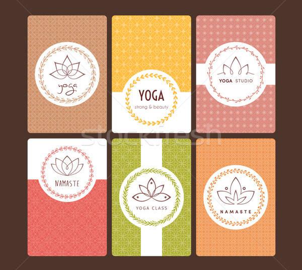 Foto stock: Establecer · logos · patrones · yoga · estudio · mujer