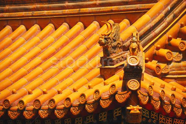 Gyönyörű csempe tető citromsárga kínai templom Stock fotó © anbuch
