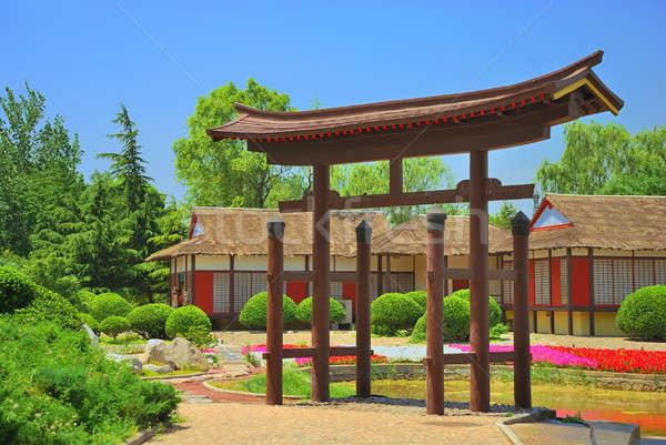 Antica cinese casa costa lago albero Foto d'archivio © anbuch