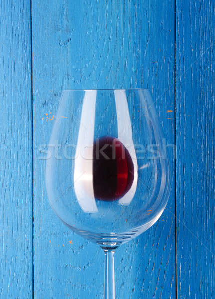üveg vörösbor kék rusztikus fa asztal bor Stock fotó © andreasberheide
