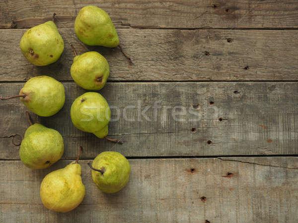 Friss organikus körték öreg rusztikus fa asztal Stock fotó © andreasberheide
