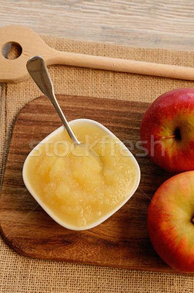 Organikus friss almák fa deszka étel gyümölcs Stock fotó © andreasberheide