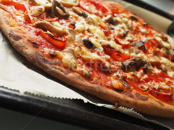 Lezzetli vejetaryen pizza peynir yağ Stok fotoğraf © andreasberheide