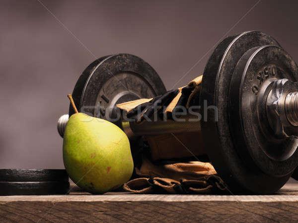 Gezondheidszorg vers voedsel sport handschoenen vers Stockfoto © andreasberheide