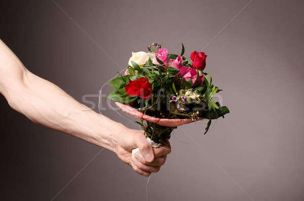 Virágcsokor férfi kéz virágok tavasz férfi Stock fotó © andreasberheide