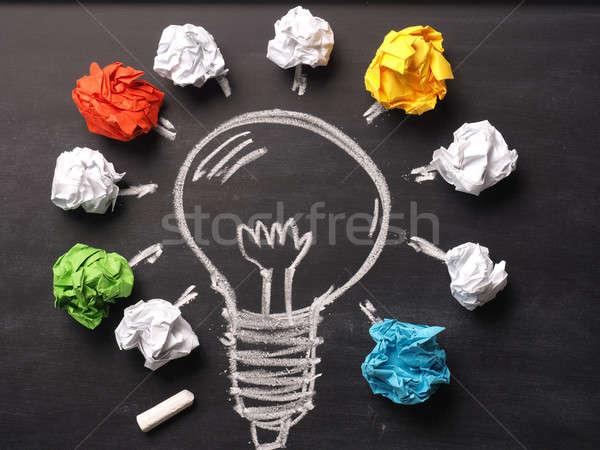 Papír kézzel rajzolt villanykörte iskolatábla új ötlet Stock fotó © andreasberheide