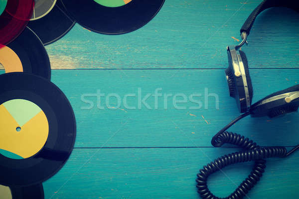 Vintage hoofdtelefoon oude vinyl records Blauw Stockfoto © andreasberheide