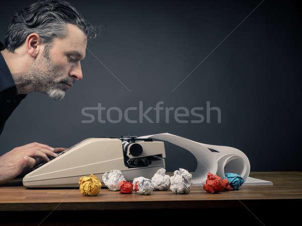 Editor máquina de escrever muitos papel criatividade negócio Foto stock © andreasberheide