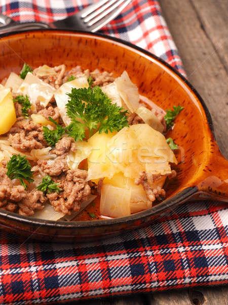 Fehér káposzta krumpli marhahús pörkölt kerámia Stock fotó © andreasberheide