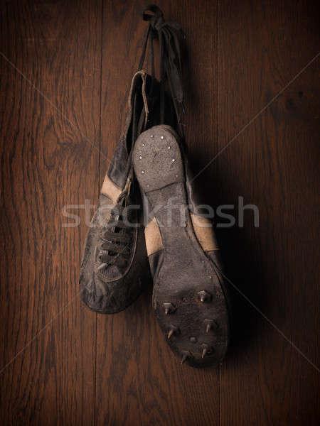 Vieux utilisé sport chaussures 1930 rustique Photo stock © andreasberheide
