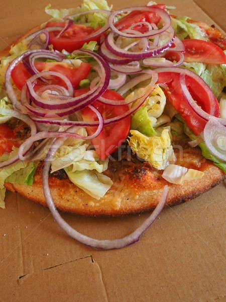 Pizza ton balığı marul taze domates Stok fotoğraf © andreasberheide