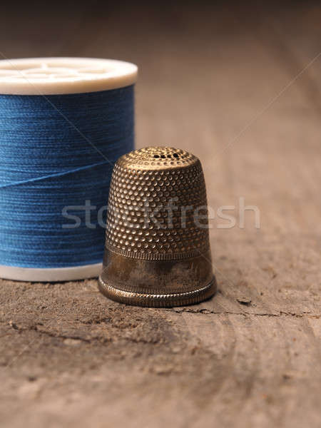 Vingerhoed garen oude gebruikt Blauw rustiek Stockfoto © andreasberheide