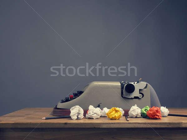 Foto stock: Velho · máquina · de · escrever · papel · mesa · de · escritório · criatividade