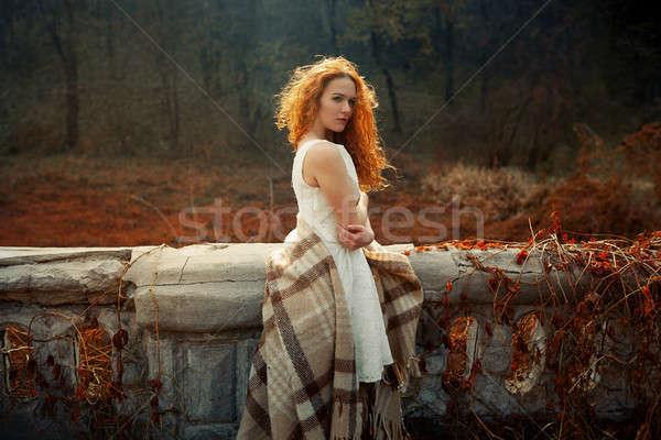 Nina amanecer rojo manta temporada de otoño Foto stock © andreonegin
