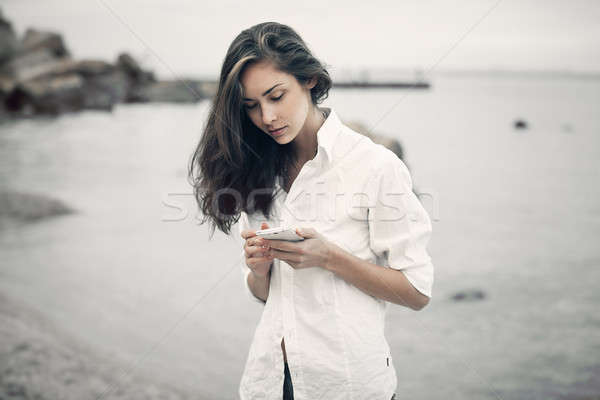 портрет подростку девушки ходьбе пляж онлайн Сток-фото © andreonegin