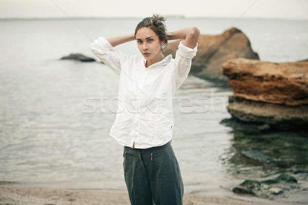женщину белый одежду волос девушки пляж Сток-фото © andreonegin