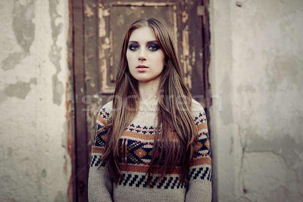 Bella donna capelli lunghi inverno pullover sani capelli Foto d'archivio © andreonegin