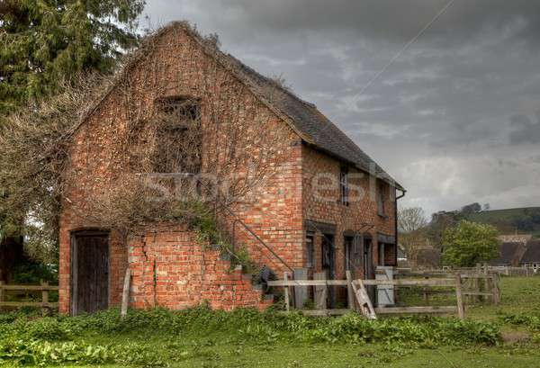 Edad estable Inglaterra ladrillo agricultura hiedra Foto stock © andrewroland