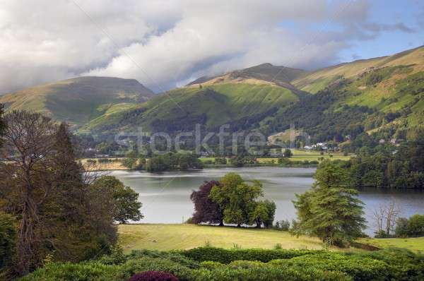Lake district nuages jardin pluie été montagnes Photo stock © andrewroland