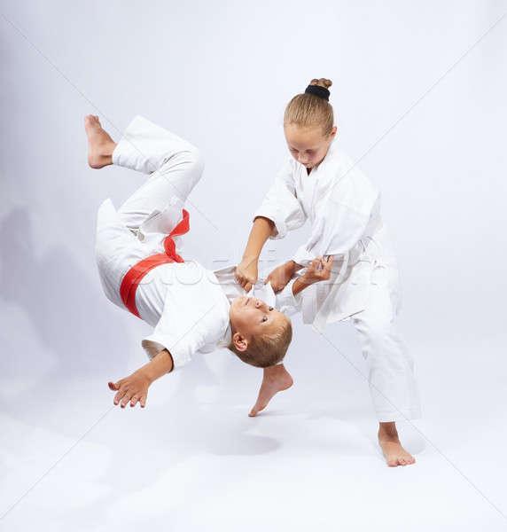 Stockfoto: Meisje · jongen · kinderen · veiligheid · succes · vechtsporten