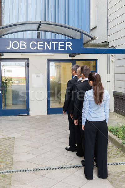 üzletemberek kívül állás központ csoport áll Stock fotó © AndreyPopov