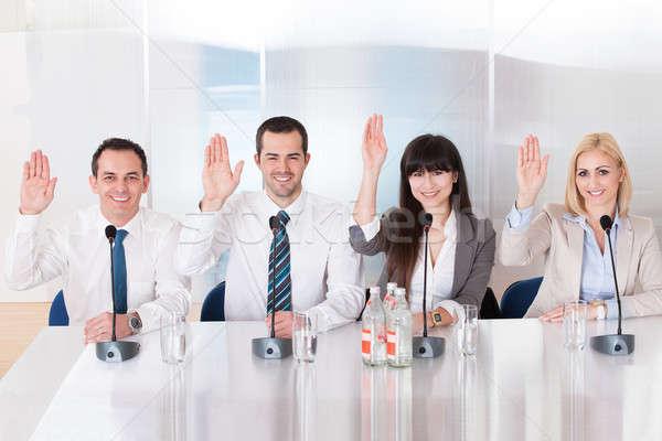 ビジネスの方々  会議 グループ ビジネス 少女 手 ストックフォト © AndreyPopov