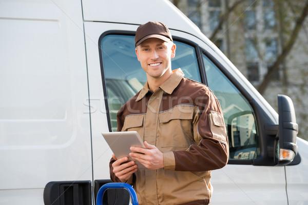 Sorridere digitale tablet camion Foto d'archivio © AndreyPopov