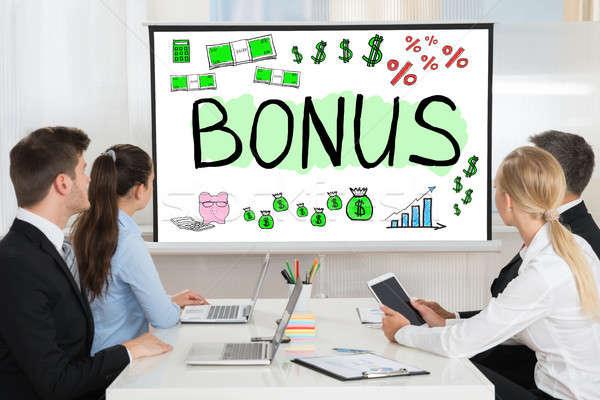 Stockfoto: Bonus · werknemer · team · naar · computer · zakenman