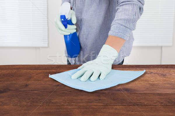Woźny czyszczenia biurko szmata strony Zdjęcia stock © AndreyPopov