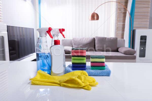 Különböző takarítás spray üvegek fehér asztal Stock fotó © AndreyPopov