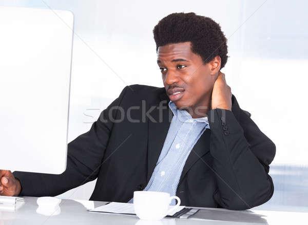 ストックフォト: ビジネスマン · 首の痛み · 肖像 · オフィス · ビジネス