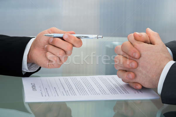Procede ondertekening nieuwe business contract Stockfoto © AndreyPopov