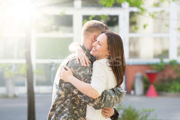 Feliz esposa marido retrato ejército Foto stock © AndreyPopov