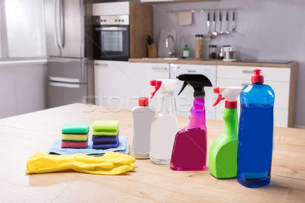 Limpeza luvas secretária Foto stock © AndreyPopov