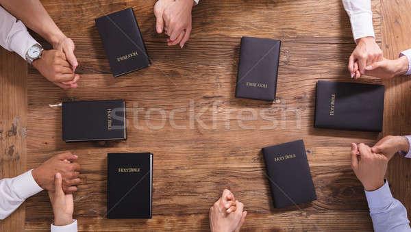 人 祈っ 手 聖なる 聖書 ストックフォト © AndreyPopov